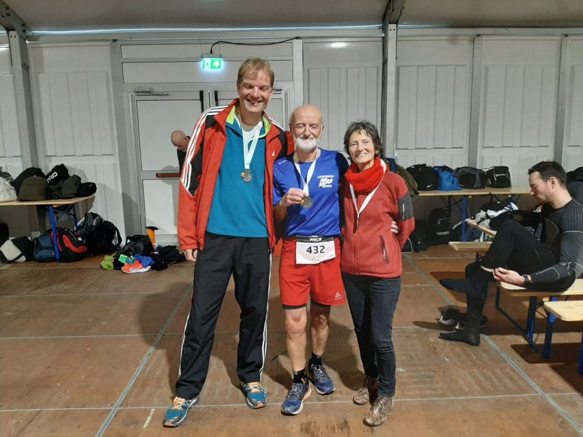 2020 Loopgroep Grave bij Halve Marathon Egmond